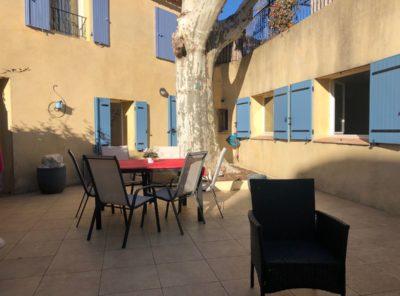 «Entre villa et appartement» 75 m², terrasse, jardin et piscine